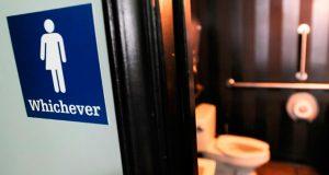 ley-sobre-baños-transexuales