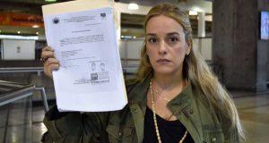 tintori-denuncia-retienen-su-pasaporte