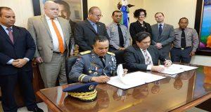 RD-y-EEUU-firman-acuerdo-para-luchar-contra-el-crimen