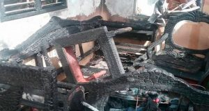 Incendio-consume-interior-de-una-vivienda