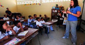 india-maestras-obligan-a-88-alumnas-a-desvertirse-como-castigo