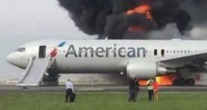 Se-incendia-avión-en-el-aeropuerto-de-Chicago