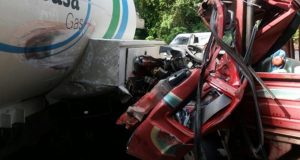 accidente-entre-dos-camiones