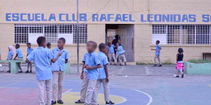 Escuela-Rafael-Leonidas