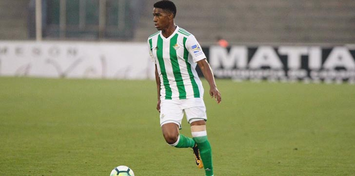 dominicano-junior-firpo-debuta-con-el-real-betis