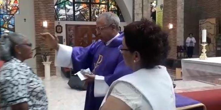 iglesia-celebran-miercoles-de-ceniza