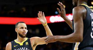 Curry-saluda-Durant