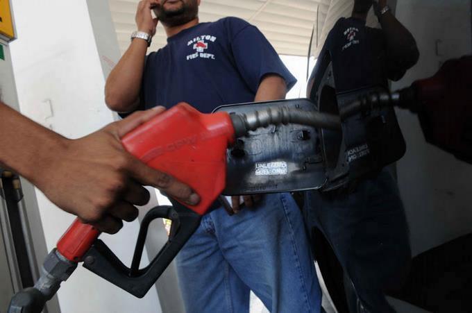 Combustibles-aumentan-entre-rd-1-00-y-rd-4-00